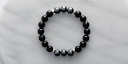 10MM BLACK AGATE W/ HEMATITE